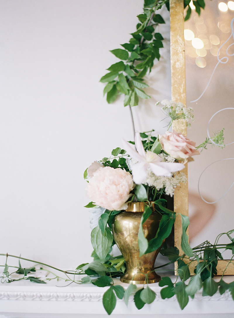 Delighted Calligraphy wedding Mantle