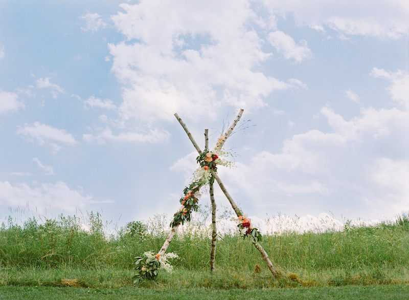 floral teepee alter