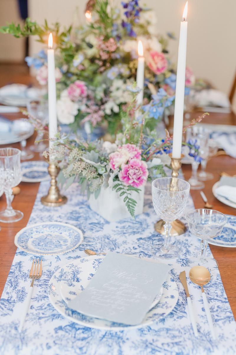 blue toile tablescape